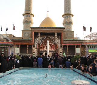 قرائت دعای کمیل وسوگواری شب اول محرم 1439 در آستان مقدّس - آقای مجتبی باقری