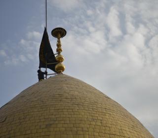 تعویض پرچم گنبد حضرت عبدالعظیم (ع) در شب وفات آن حضرت - عکاس : بیژنی - 96/4/18