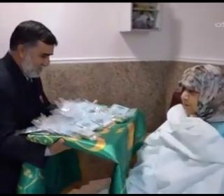 حضور خادمین آستان مقدس در مراکز درمانی - پخش شده از شبکه قرآن سیما