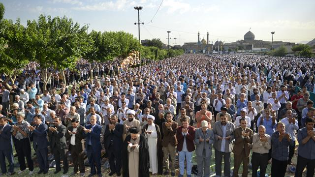 آئین نماز عید فطر در آستان مقدّس حضرت عبدالعظیم علیه السّلام
