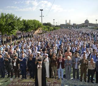 آئین نماز عید فطر در ضلع جنوبی آستان مقدّس حضرت عبدالعظیم علیه السّلام