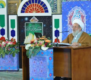 برگزاری جلسات عمومی تفسیر قرآن آیتالله محمدی ریشهری در مصلای بزرگ ری